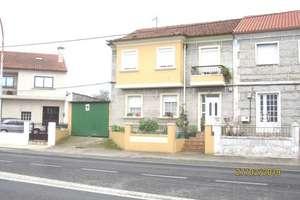 House for sale in Pontevedra.